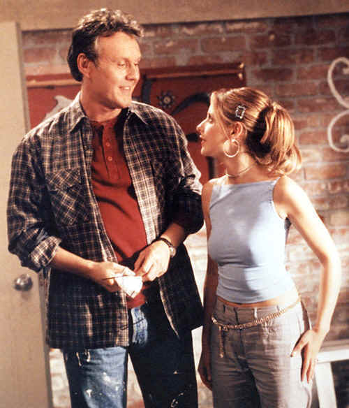 Giles-and-Buffy-rupert-giles-3721966-500-584